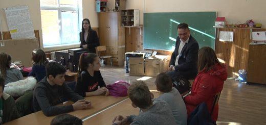 Rade Jezdić, direktor škole
