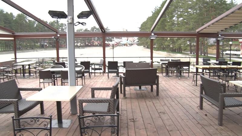 Prazni restorani i kafići na Zlatiboru