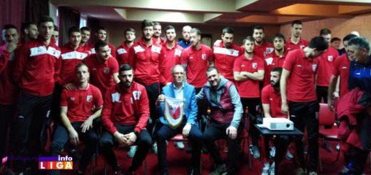 Fudbaleri Javor Matisa sa konzulom Srbije u Umagu