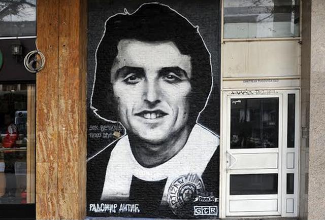 Radomir Antić, mural u Užicu