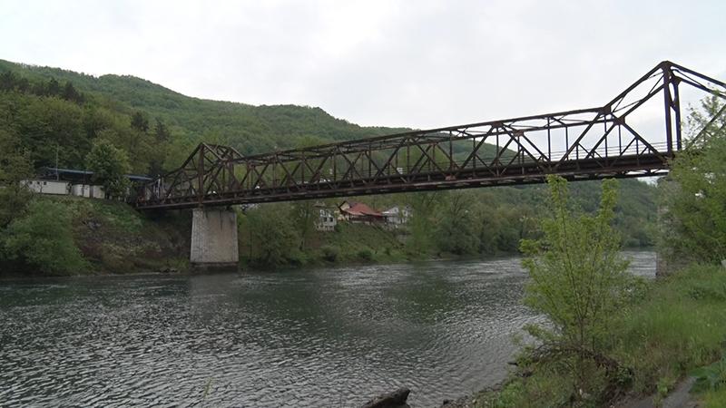 Most preko Drine