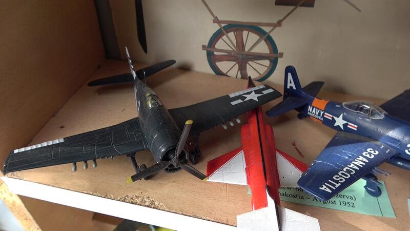 Avion maketa