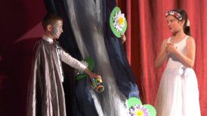 Predstava Vesela Palčica
